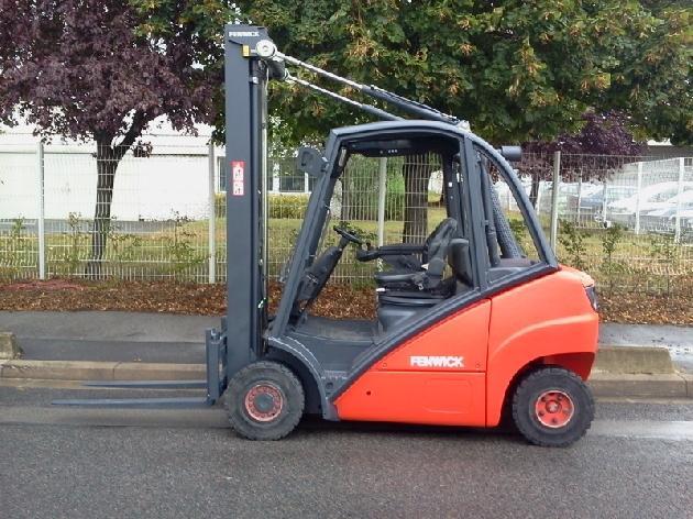 chariot l vateur fenwick 2 5 tonnes diesel chariot l vateur. Black Bedroom Furniture Sets. Home Design Ideas