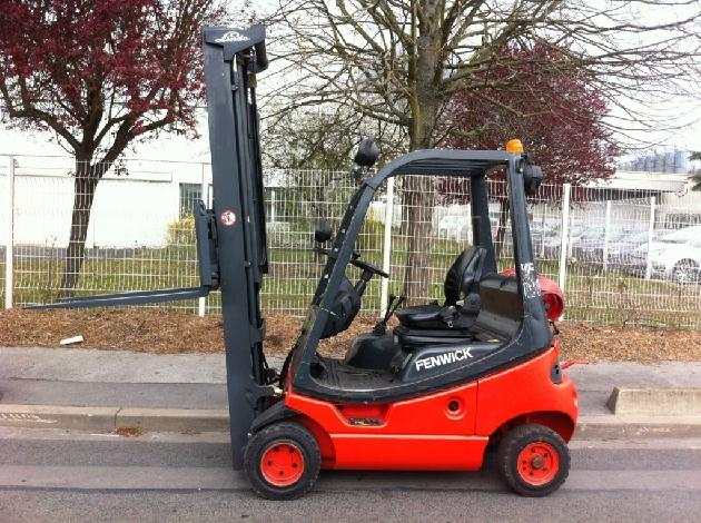 chariot l vateur fenwick 1 8 tonnes gaz chariot l vateur. Black Bedroom Furniture Sets. Home Design Ideas